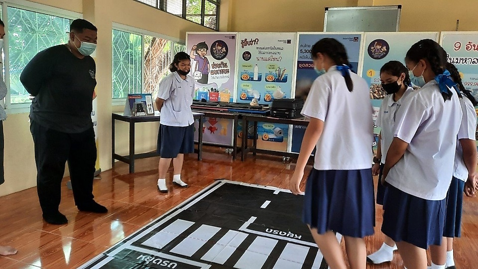 '8 Skills for Road Safety' training sessions in primary schools in the neighbourhood of Mahidol University and Bangkrachao.