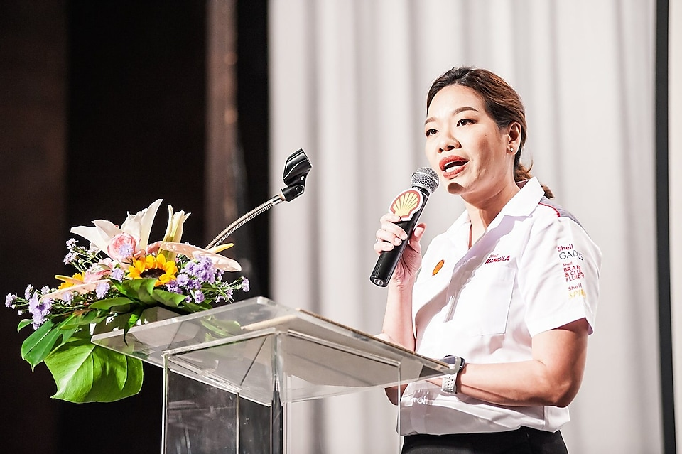Ms. Veethara Trakulboon, Executive Director of Lubricants Business, The Shell Company of Thailand Limited, while giving an opening speech at the seminar